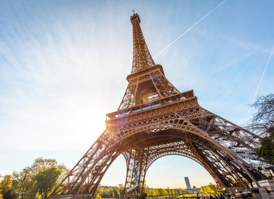 """""""Moonlight in Paris,"""" is set for 6 to 10 p.m. March 21 at the Dusit Thani Royal Ballroom."""