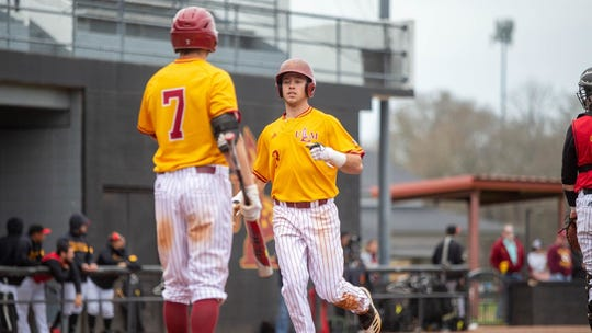 ULM jumped out to a 5-0 lead in the first inning and cruised to an 8-4 win on Tuesday at Warhawk Field.