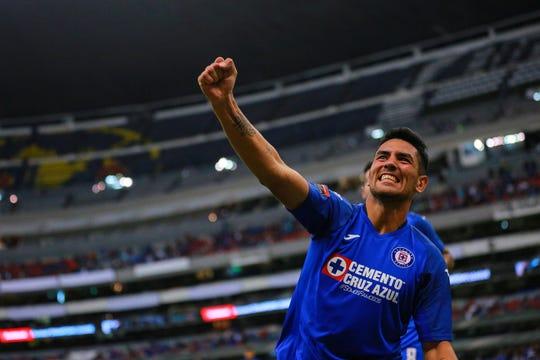 Lucas Passerini celebra su gol con 'La Máquina'.