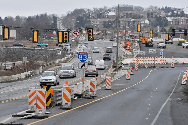 Construction progress is crawling along on the Mount Rose Avenue, Interstate 83 junction, Wednesday, February 26, 2020. John A. Pavoncello photo