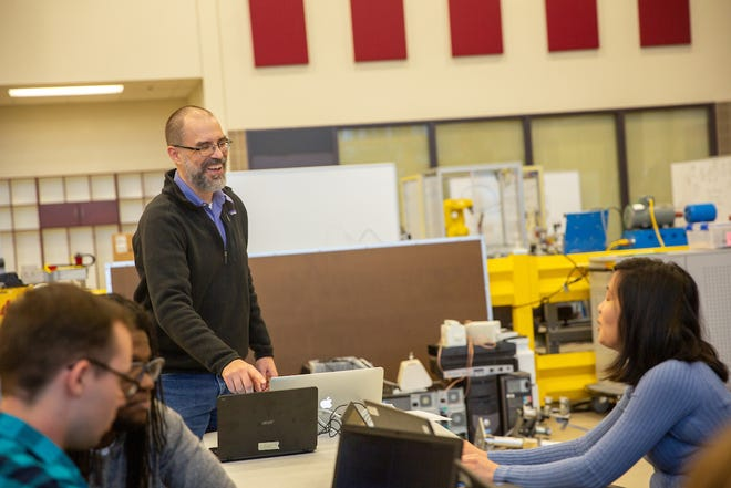 Dr. John Nicholson leads the Robotics II class at the Technology Building at Austin Peay's Clarksville campus.