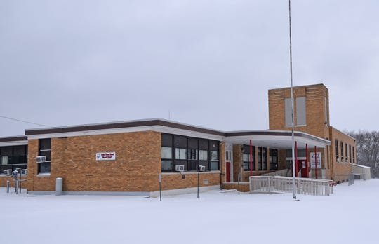 Madison School Board approved the district to execute a purchase agreement for the former Lincoln Heights Elementary building at 1035 Grace Street.