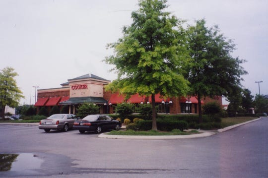 The Cooker restaurant in Murfreesboro was located where Hooters is now.