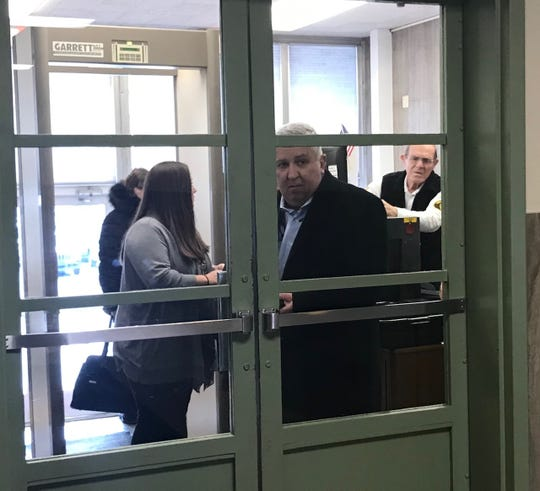Former state Sen. Mike Folmer enters the Lebanon County courthouse.
