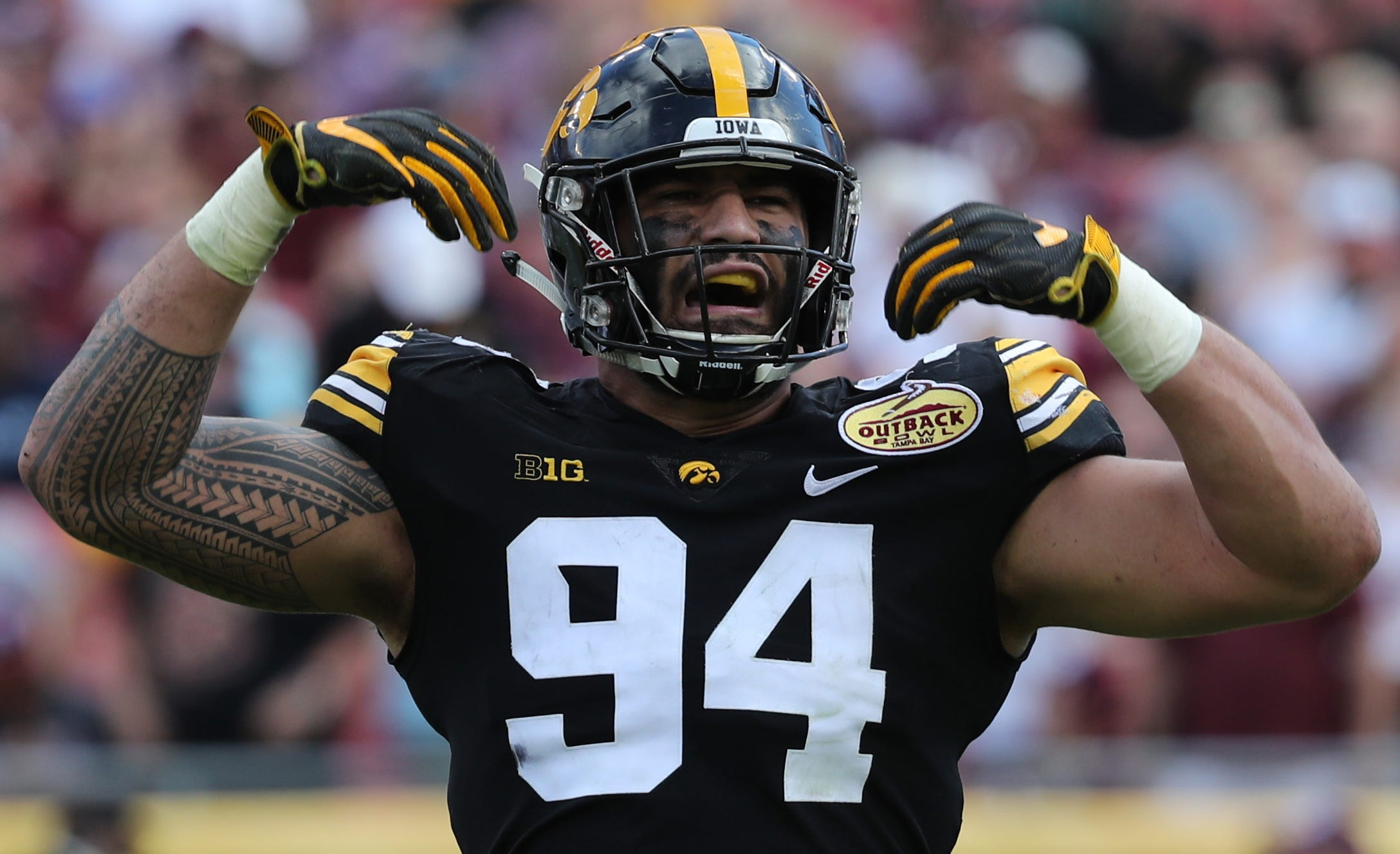 A.J. Epenesa out to prove at NFL combine he's as good as Chase Young