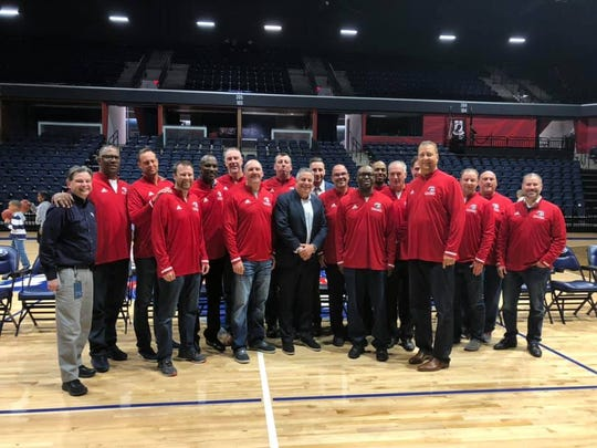 The 1995 USI men's basketball championship team got back together on Saturday evening for a 25-year reunion. Former head coach Bruce Pearl arrived at about 7 p.m. to join in on the festivities.