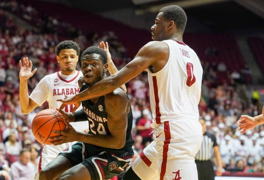 South Carolina forward Keyshawn Bryant (24) had 22 points and 13 rebounds against Alabama for his third consecutive double-double game.