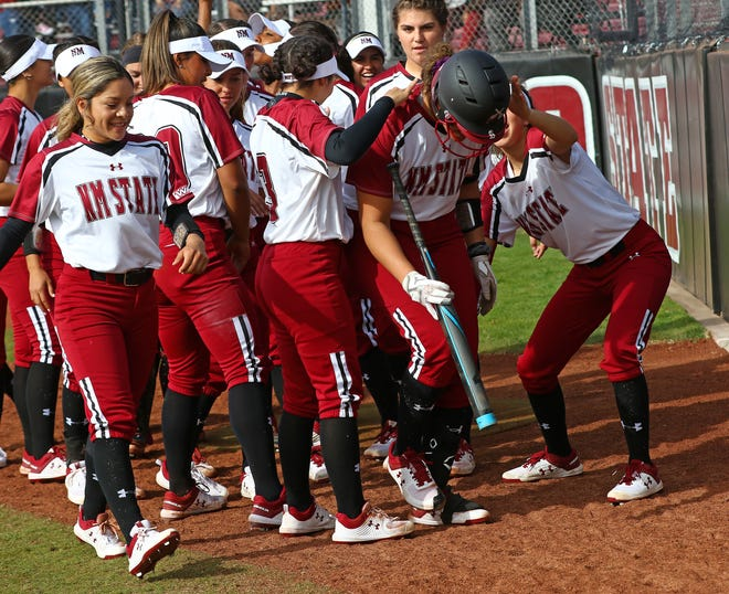 New Mexico State earned a 10-8 win over Houston on Sunday in Las Vegas, Nevada.