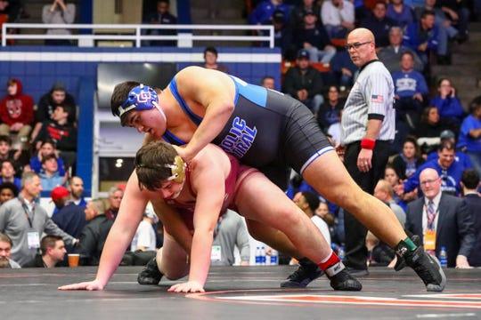 Steven Kolcheff over Tyler Jelinek by fall