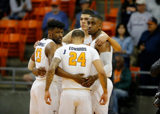 UTEP huddles up before tipoff against Southern Miss Sunday at the Don Haskins Center
