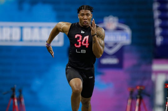 Clemson's Isaiah Simmons runs the 40-yard dash in 4.39 seconds, the second-best time by a linebacker since 2003.