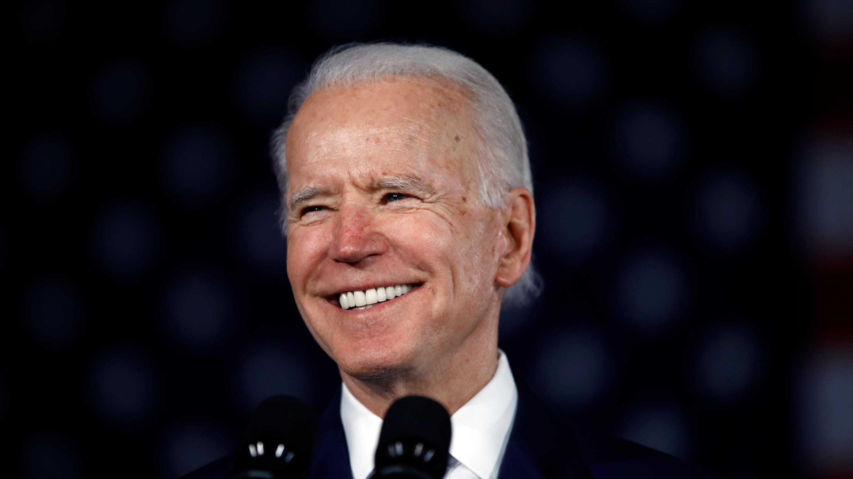 Majority want Biden to win the Democratic nomination over Sanders, new national poll shows thumbnail