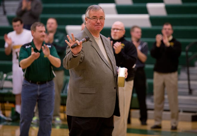 Former Pennfield coach Chuck Miknis died at the age of 66 on Monday.