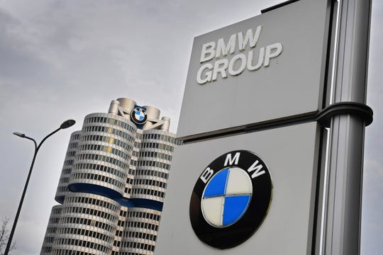 A BMW employee in Munich has tested positive for the corona virus. A BMW spokeswoman said on Monday that he was not traveling and worked in the research and development center (FIZ). This archive photo is from BMW headquarters in Munich.