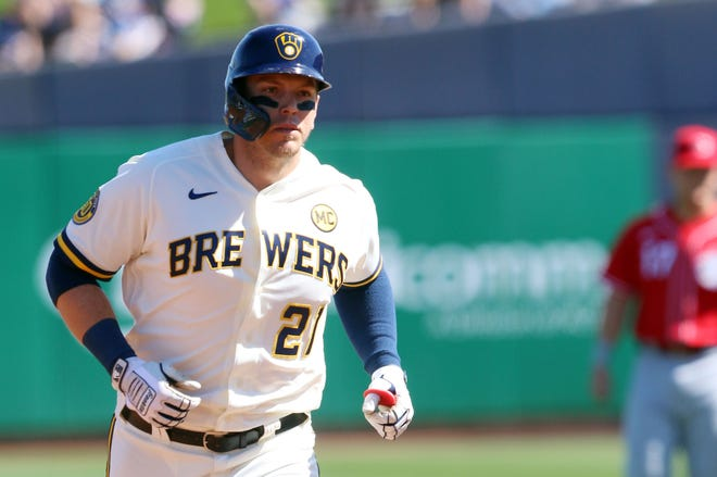 Logan Morrison has made the Brewers' opening 30-man roster.