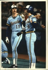 Yount and former teammate Paul Molitor during the 1982 World Series against the St. Louis Cardinals.