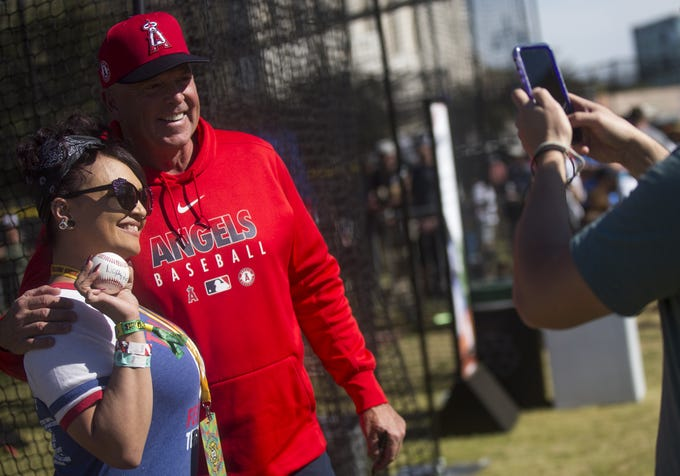 Wally Joyner (right) meets with fans at Innings Festival at Tempe Beach Park in Tempe, Ariz. on March 1, 2020.