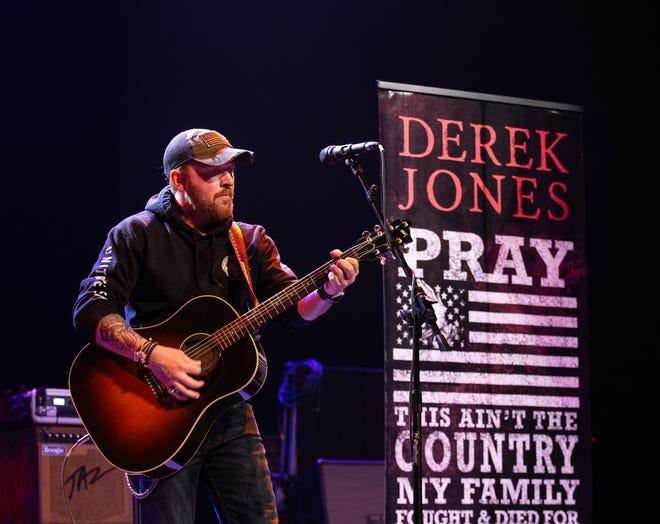 Derek Jones will perform May 23 at Witter Field in Wisconsin Rapids.