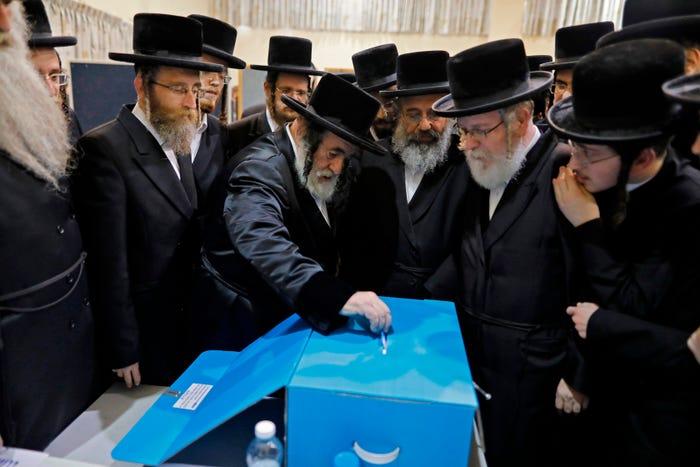 Benjamin Netanyahu projected to win Israel's election but fall short of governing majority