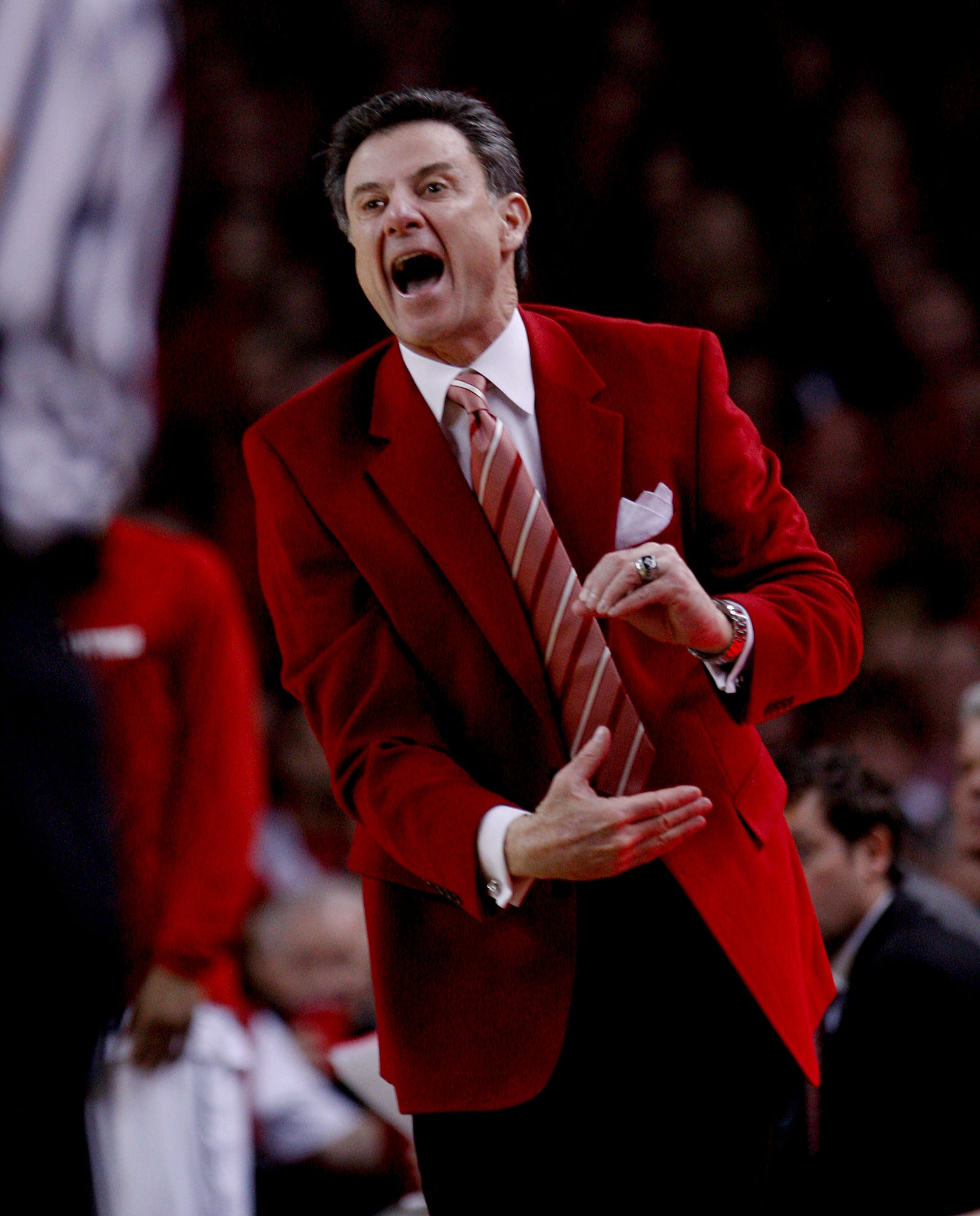 Hall of Fame coach Rick Pitino calls for college basketball season to be pushed back to January