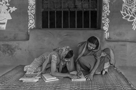 Self Signature by Amitava Chandra won first place in the Shining a Light international photo contest.