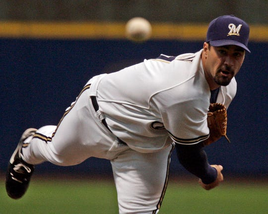 Milwaukee Brewers' Jeff Suppan pitches against Pittsburgh Pirates' at Miller Park Saturday, May 5, 2007.