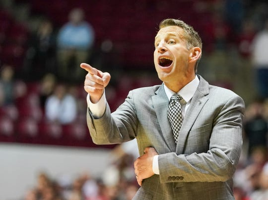Mar 3, 2020; Tuscaloosa, Alabama, USA; Alabama Crimson Tide head coach Nate Oats during the second half against Vanderbilt Commodores at Coleman Coliseum. Mandatory Credit: Marvin Gentry-USA TODAY Sports