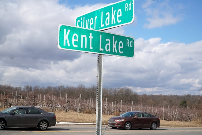 The Kent Lake and Silver Lake Road intersection in Lyon Township.