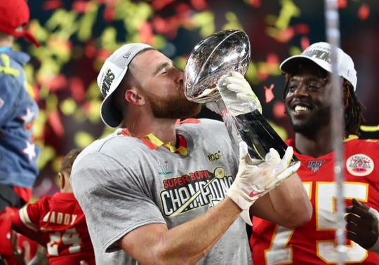 Kansas City Chiefs tight end Travis Kelce (87) is one of the highest paid tight ends in the NFL.