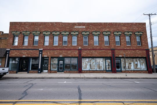 The St. Clair County Brownfield Redevelopment Authority is developing a plan for apartments at the historic Thomas J. Geck Manor in downtown Marine City.