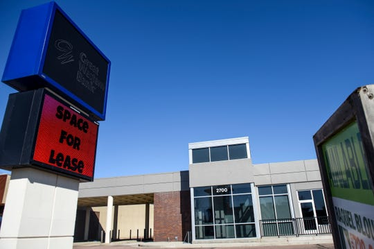 The former Great Western Bank is for lease on Wednesday, March 4, 2020 along 41st Street in Sioux Falls.