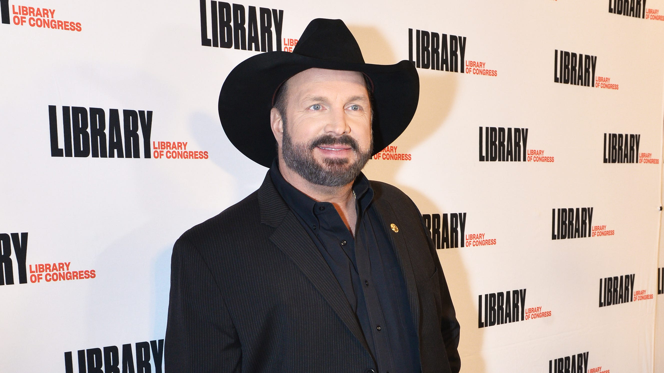 Garth Brooks Honors Tennessee Tornado Victims At Gershwin Show