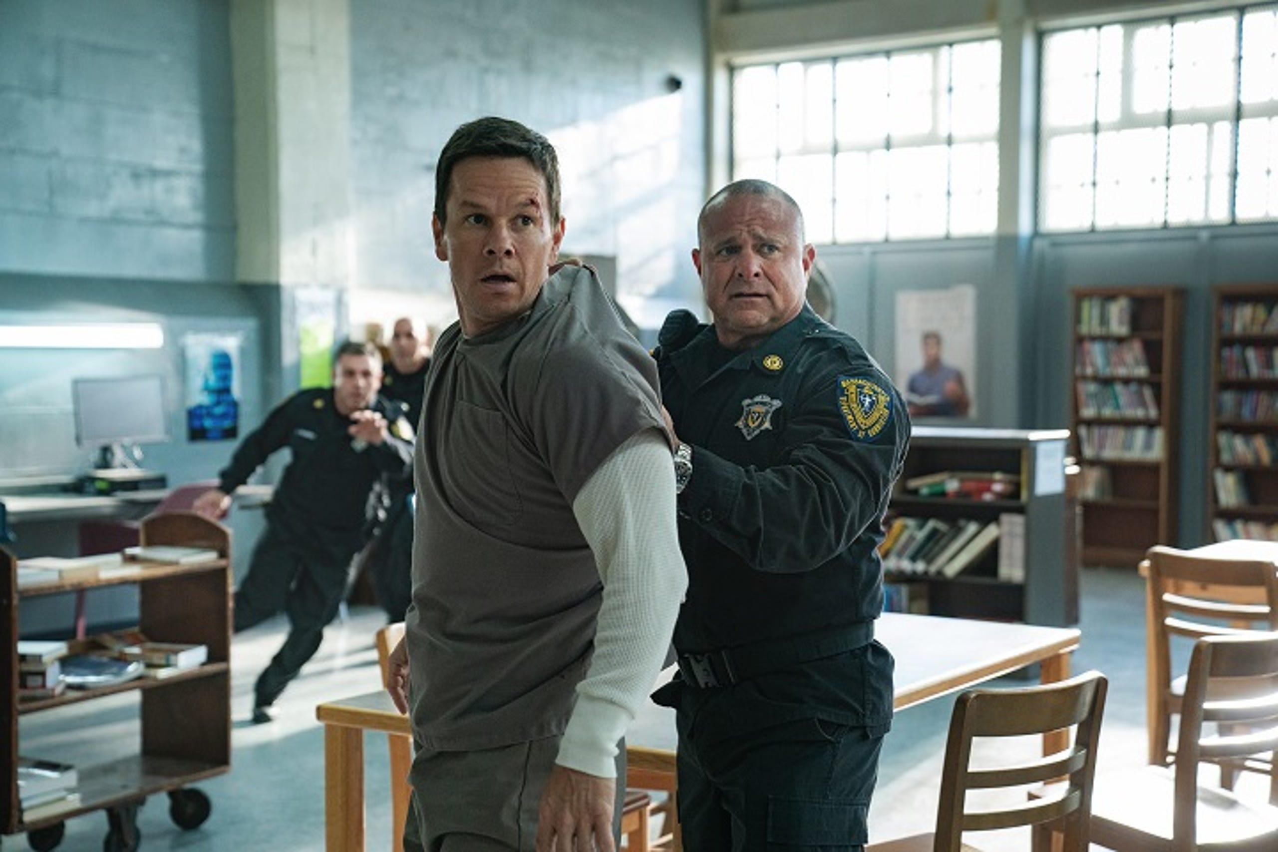 Spenser Confidential Mark Wahlberg Gets Roughed Up Fighting Crime