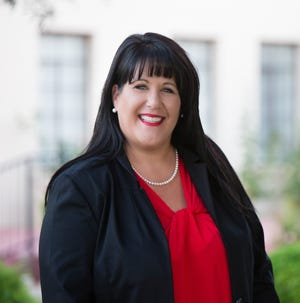 A sexual misconduct complaint made last year by Glendale mayoral candidate Michelle Robertson at a Valley school district is the subject of a heated controversy.