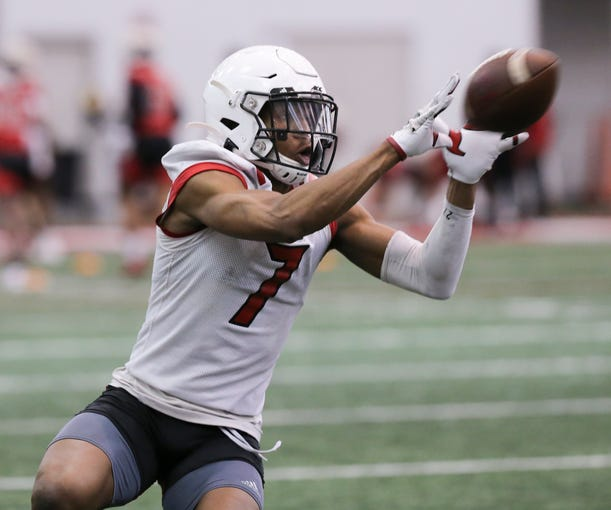 U of L WR Dez Fitzpatrick (7) catches a pass during practice at the Trager Center in Louisville, Ky. on Mar. 6, 2020.