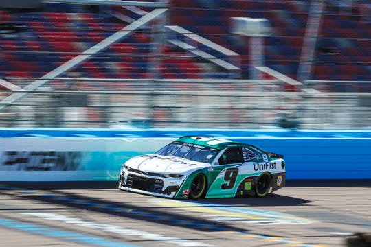 NASCAR Cup Series driver Chase Elliott (9) drives during qualifying for the FanShield 500 on Mar. 7, 2020 at Phoenix Raceway in Avondale, AZ. (Brady Klain/The Republic)