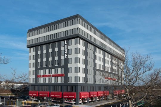 Luxe Apartments, located in a modern mixed-use building at 1 Woodbridge Center, features retail (The Jewelry Exchange) on the ground floor, office space on the second floor and 117 brand new apartment units on floors three through nine, including upgraded penthouse units on the top two floors, according to a release.
