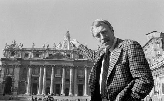 Max von Sydow points at St. Peter's Basilica in Vatican City, Dec. 2, 1974.