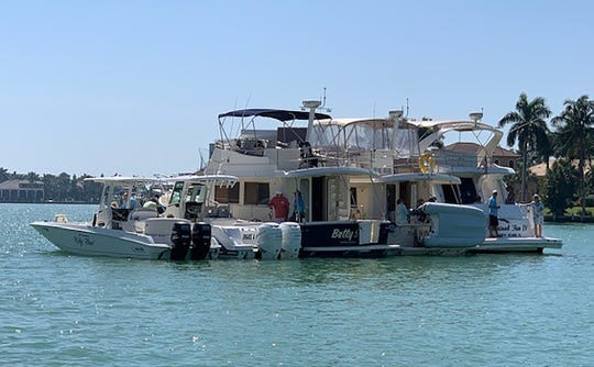 The Marco Cruise Club held a raft up on March 5 just off Caxambas Park.
