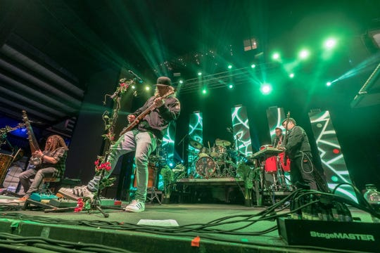 Florida-based touring act The Hip Abduction will mix music styles including reggae and funk as it tours the U.S. this spring.