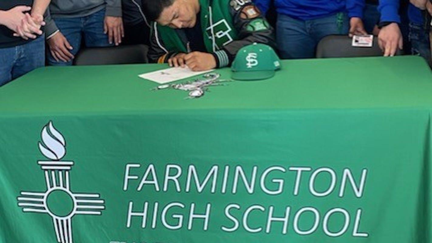 Farmington's Ronald Ladue signs with Fort Lewis College ...