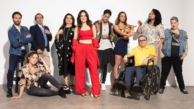 Criada en el seno de una familia tradicional de Veracruz, Ana de la Reguera muestra a través de la comedia, si ha sido una fiel representante de ella.