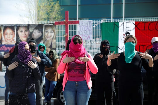 Feminist groups in Juárez protest against femicides Monday at a Chihuahua agency that investigates crimes against women.