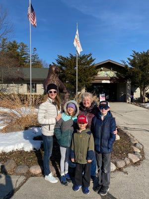 Rachel, Eli, Arianna, Wyatt, and Grandma Susan going into the NEW Zoo.