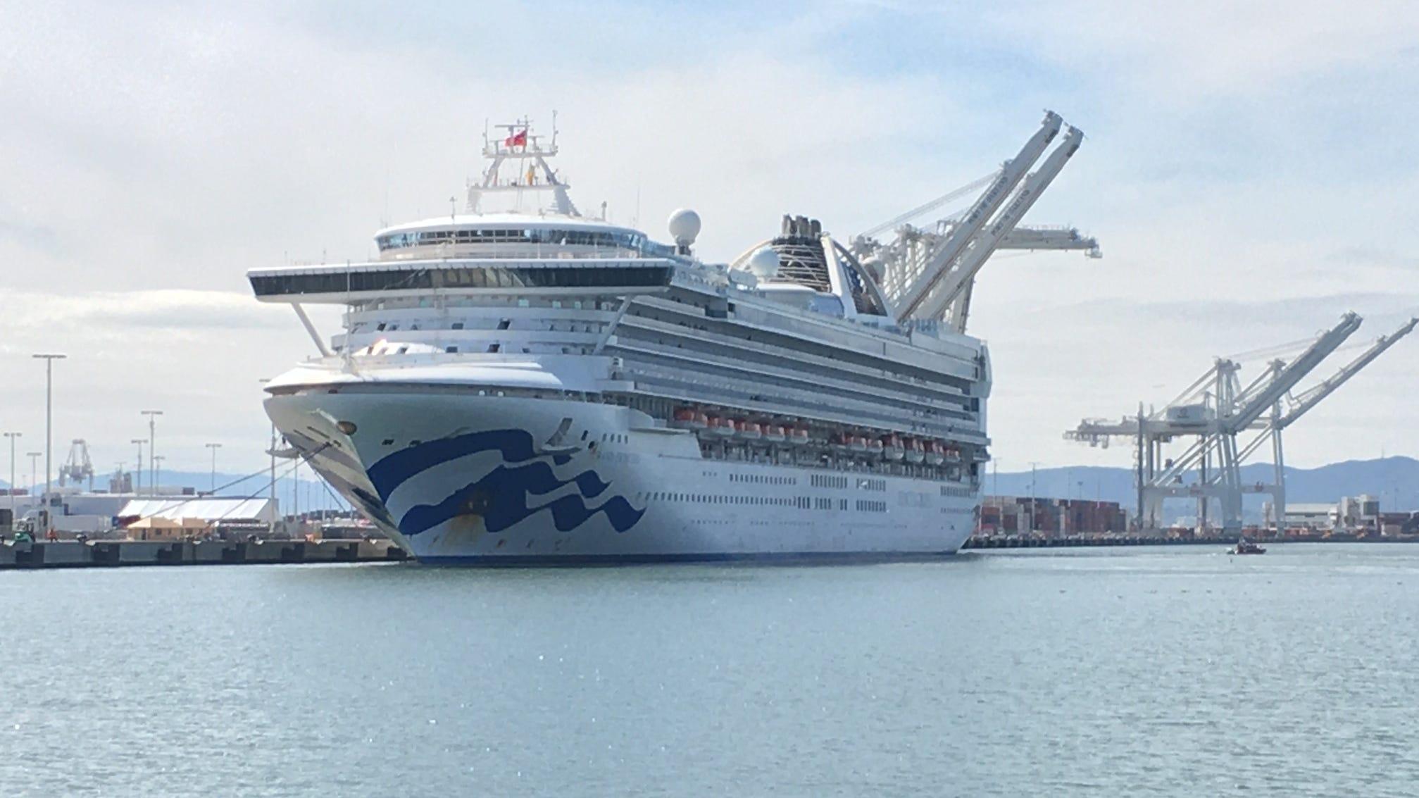 Coronavirus : Grand Princess cruise ship docks , unloads 23 people