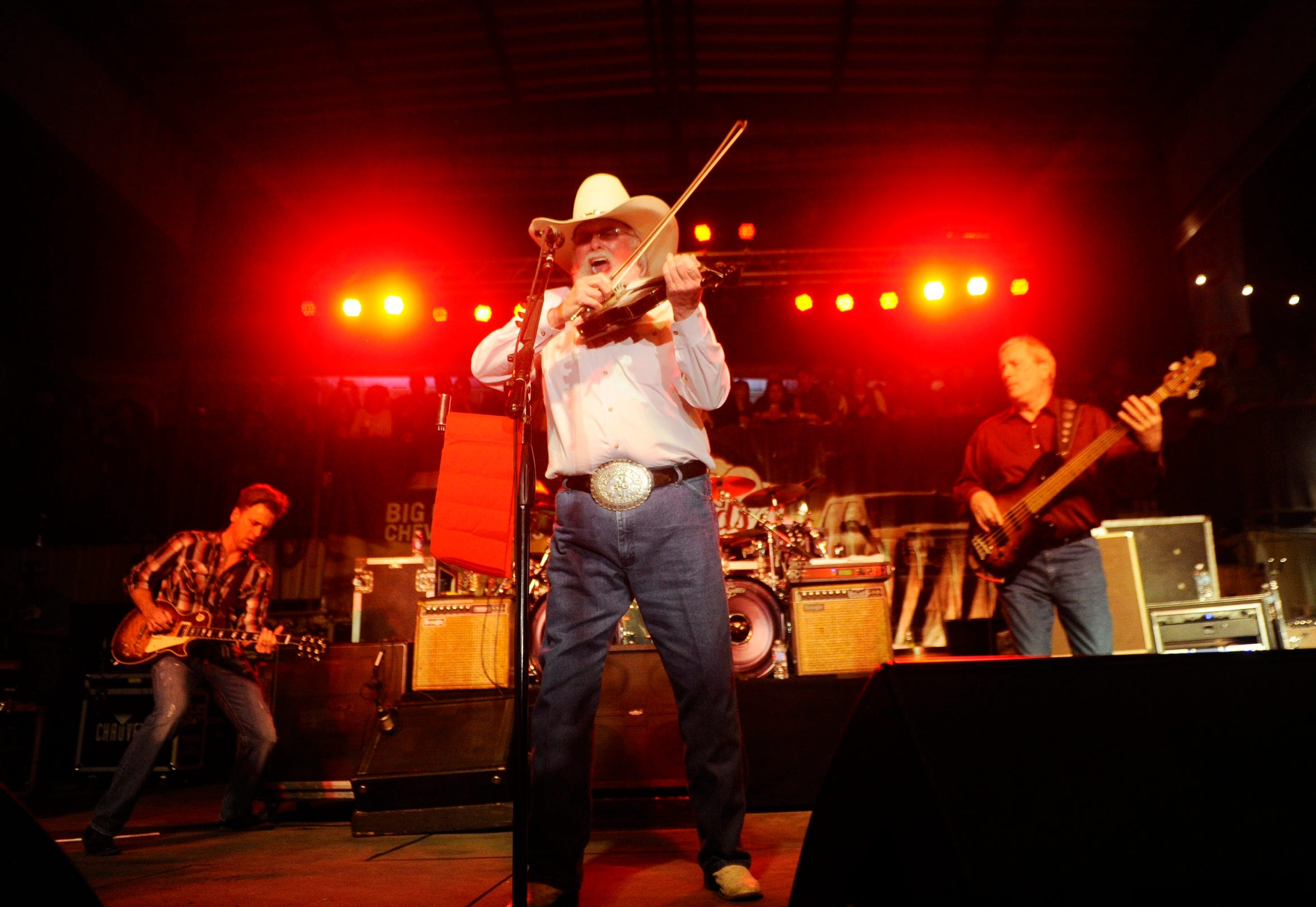 Charlie Daniels brought a fiddle on fire to the 2015 Outlaws show.