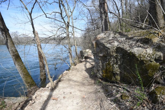 A new walking/hiking trail near Rim Shoals was recently completed through the combined works of several individuals, area groups, the Arkansas Game & Fish and a grant from the Frank Graham Memorial Endowment.