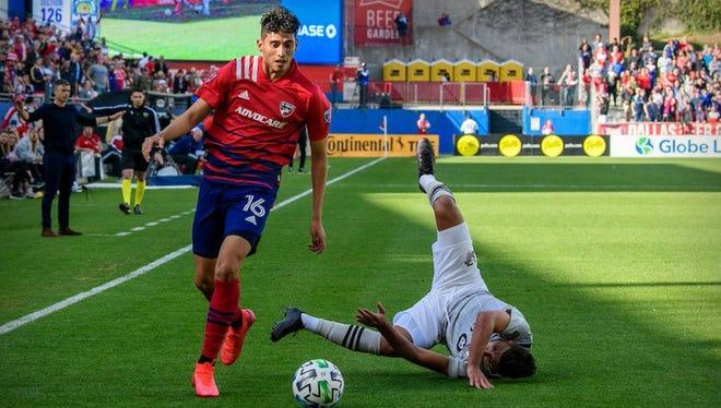 FC Dallas' Ricardo Pepi dribbles the ball in Dallas' match with Montreal Saturday in Dallas