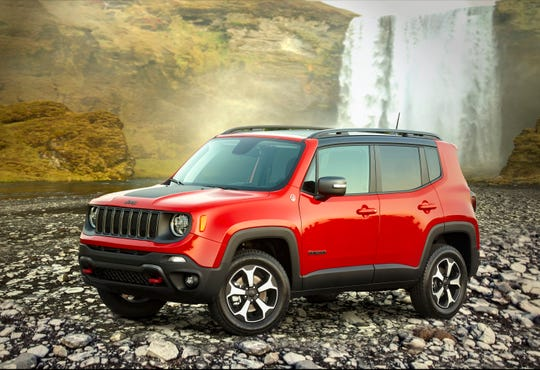 Fiat Chrysler Automobiles NV is temporarily haulting production for three days at its plant in Melfi, Italy, that produces the Jeep Renegade SUV.