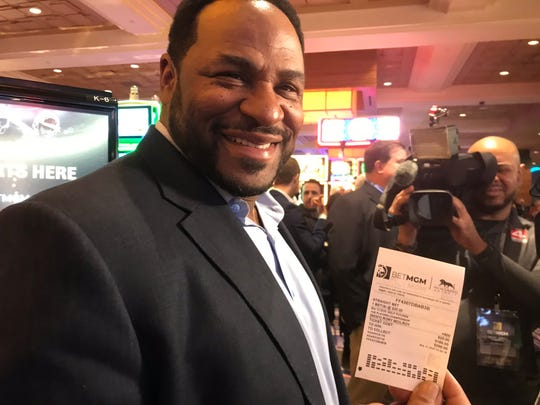At MGM on Wednesday, Jerome Bettis placed a bet on Rory McIlroy to win this week's Players Championship.